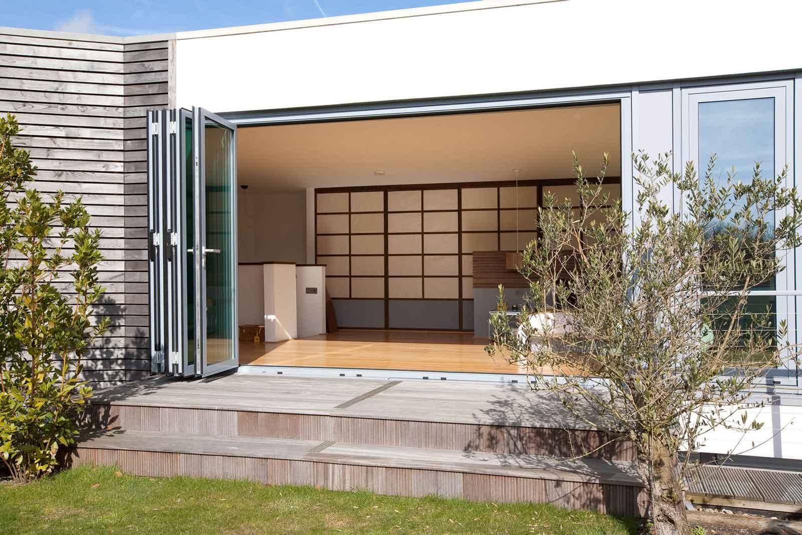 aluminium bi-folding doors rochford